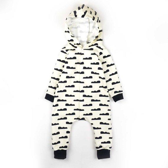 Combinaison bébé, Combinaison avec capuche, Barboteuse Bébé, Combinaison BILLIE,  Sweat motif FOX ou CLOUD