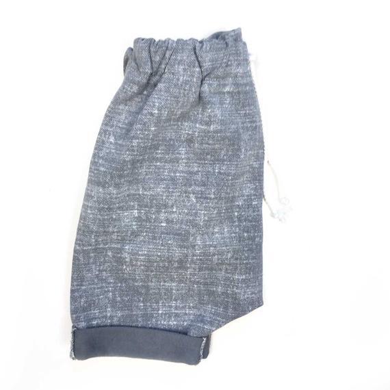 Short sarouel gris pour bébé et enfant, Sarouel court en french terry, Short à revers effet jean